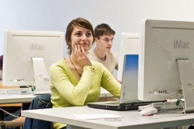 FOTO: Studenti u počítačů