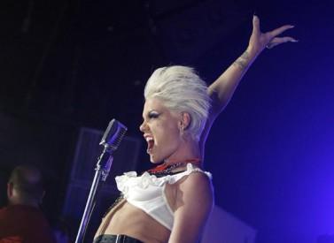Pink se může pyšnit dvojnásobným oceněním Grammy, Zdroj: pinkspage.com
