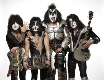 Kiss, Zdroj: archiv