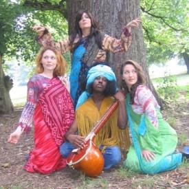 Móda hippies, Zdroj: donthavekids.wordpress.com