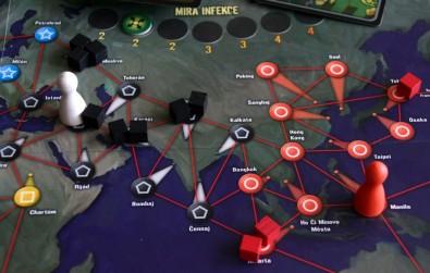 Pandemic - rozehraná hra - detail na herní plán, Foto: Dušan Takáč, Topzine.cz