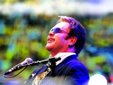 Elton John, Zdroj: archiv