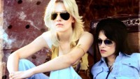 The-Runaways-Dakota-Fanning-and-Kristen-Stewart