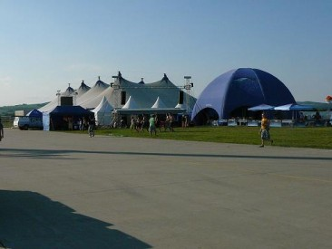 Osudný stan na začátku festivalu Pohoda 2009, Foto: Martin Peška