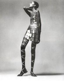 Paco Rabonne a jeho šaty z roku 1966, Zdroj: ncku.edu.tw