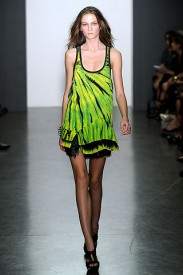 Proenza Schouler z kolekce jaro/léto 2010, Zdroj: style.com