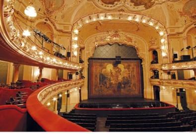 sál Hudebního divadla Karlín, zdroj: www.televize.cz