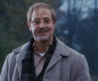 Stanley Tuci jako vrah George Harvey
