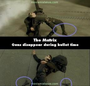 Mizící pistole, zdroj: moviemistakes.com