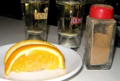 Tequila se skořicí a pomerančem, Zdroj: matchvideozine.com