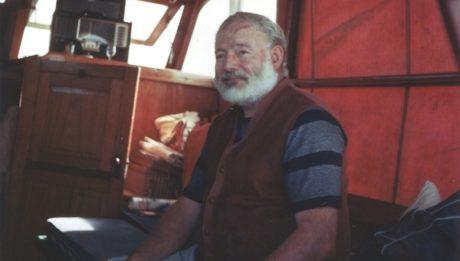 Ernest Hemingway kolem roku 1950 Zdroj: wikipedia.org