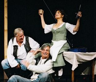 Pán (K. Heřmánek), Jakub (J. Bartoška) a hostinská (V. Freimanová)