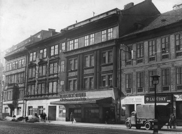 Realistické divadlo v padesátých letech, Zdroj: svandovodivadlo.cz