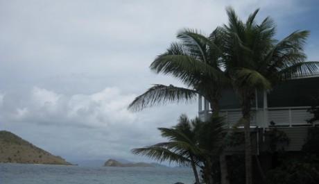 Foto: Moře a dům na pláži