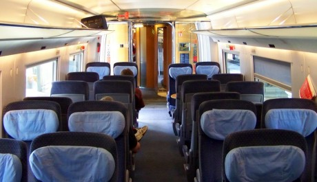 FOTO: Interiér vlaku ICE, ve kterém můžete jet přes 300 km za hodinu