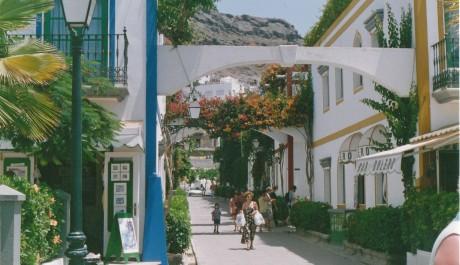 FOTO: ulička v Puerto Mogán