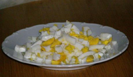vejce nakrájené na kostky