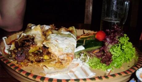 FOTO: Burrito s fazolemi a kuřecím masem