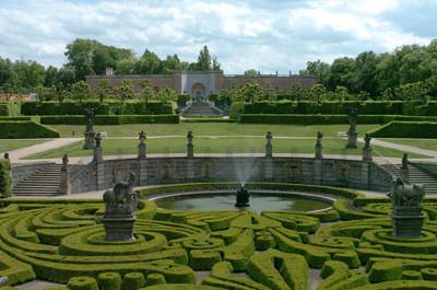 Francouzský park na zámku Dobříš, Zdroj: pictures.com
