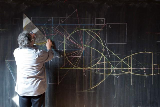 FOTO: Učitel u tabule