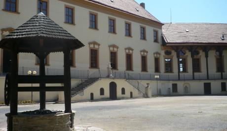 Znojmo nádvoří hradu