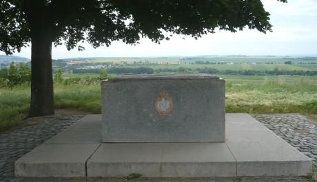 Návrší Žuráň s památníkem bitvy
