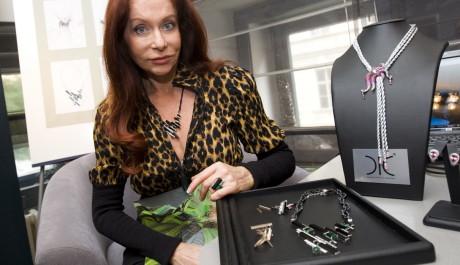 FOTO: Blanka Matragi a její kolekce šperků