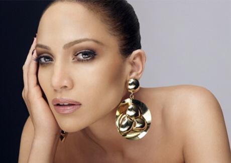 Náušnice jsou top šperky, které vás zaručeně rozzáří ...