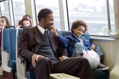 Se svým synem, který jde v jeho výrazných stopách, si rozumí doma i na plátně. Zdroj: Falcon