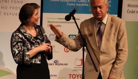 FOTO: Prezident festivalu Pavel Kovář s náměstkyní ministra životního prostředí Rút Bízkovou