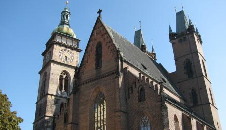 Bílá věž a gotická katedrála sv. Ducha, Foto: Martin Blaťák, Topzine.cz