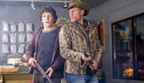 FOTO: Jesse Eisenberg s Woodym Harrelsonem ve filmu Zombieland  Zdroj: Falcon