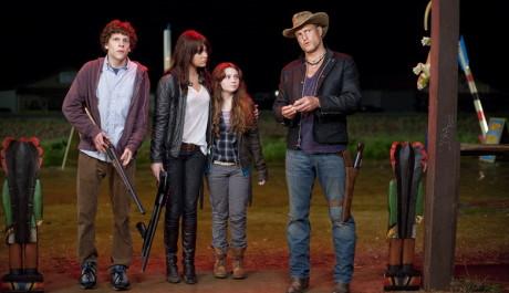 FOTO: Jesse Eisenberg, Emma Stone, Abigail Breslin a Woody Harrelson ve filmu Zombieland.  Zdroj: Falcon