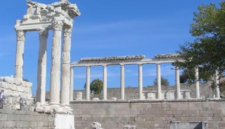 FOTO: Trajánův chrám v Pergamonu
