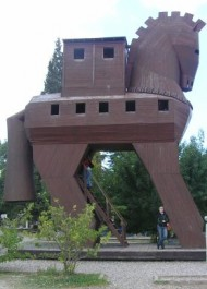 FOTO: Maketa trojského koně