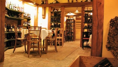 FOTO:Vinotéka a vinárna u sv. Vincenta, Praha 6
