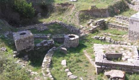 FOTO: Obětní místo u Afroditina chrámu