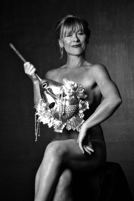 FOTO:Dana Batulková pózující pro kalendář Městských divadel pražských