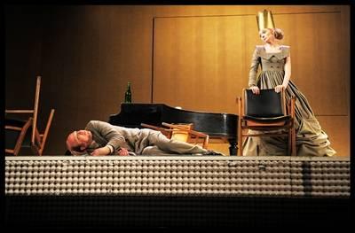 FOTO: Divadlo v Dlouhé vítá své diváky Macbethem