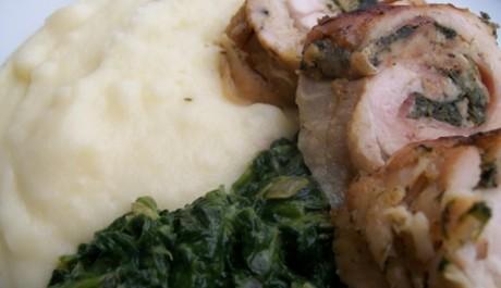 Kuřecí roláda se špenátem a bramborovou kaší