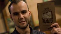 FOTO: Alexandr Guha při křtu své knihy Pravé české míchačky