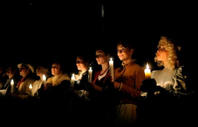 FOTO: Eva Nadáždyová jako anděl ve hře České Vánoce v divadle ABC 2010
