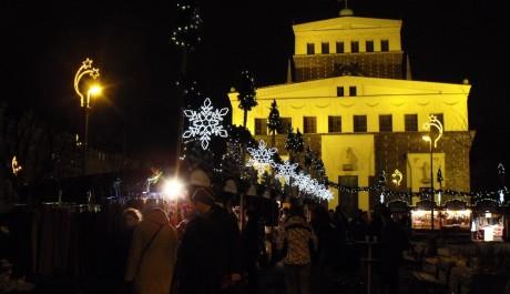FOTO: Vánoční trhy na náměstí Jiřího z Poděbrad