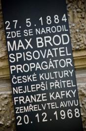 FOTO: Pamětní deska Maxi Brodovi