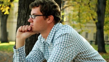FOTO: Přemýšlející čtenář