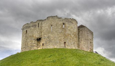 FOTO: Zřícenina v Yorkshiru