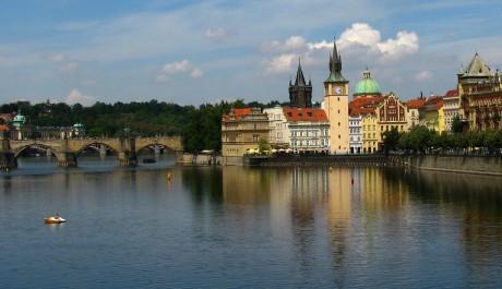 FOTO: Karlův most a bývalé Staroměstské mlýny, Praha
