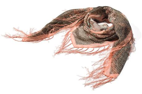 FOTO: Šátek s třásněmi