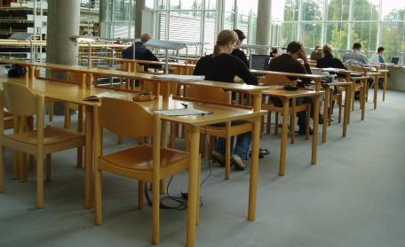 FOTO: sezení ve škole