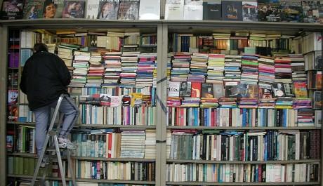 FOTO: Stánek s knihami